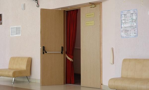 Доводчик для двухстворчатых дверей