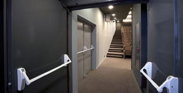 Противопожарные двери в коридор
