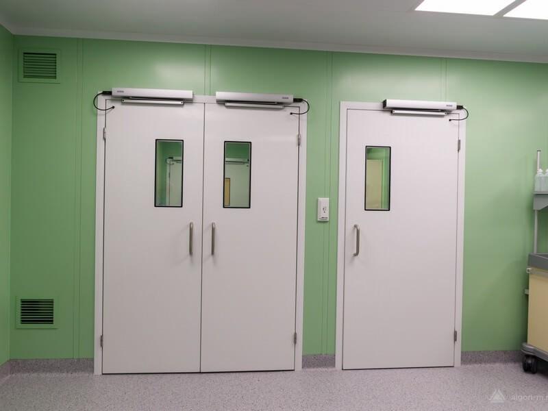 Двери для чистых помещений распашные