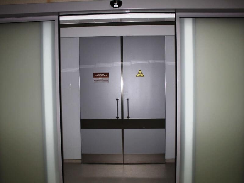 Рентгенозащитные двери двустворчатые