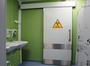 Рентгенозащитные откатные/раздвижные двери (с окном)